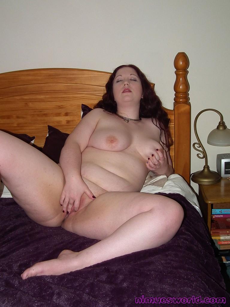 naked girl masturbating in bedroom