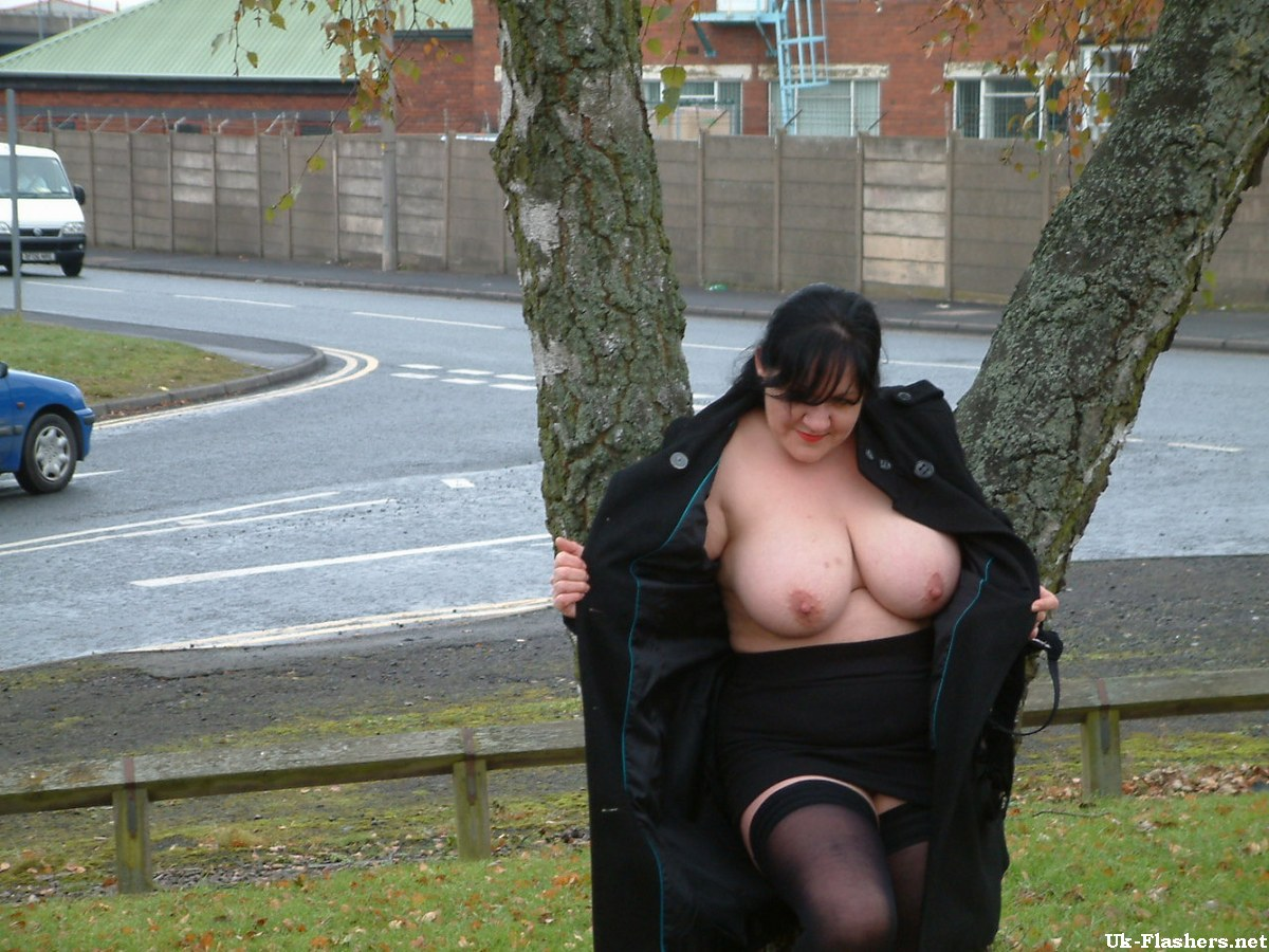 SHELBY: British mature public flashing videos